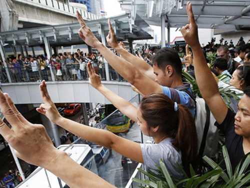 Cinema Thai Military Bans Hunger Games Salute