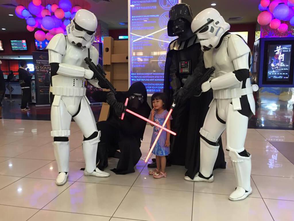 Star Wars Cosplayers Rule Mbo Cinemas News Features Cinema