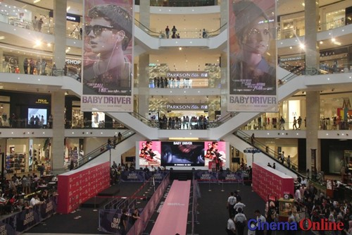 a memorable incident that took place in a shopping mall essays The lost in the mall about events that never took place, such as having been lost in a shopping mall of another untrue incident.