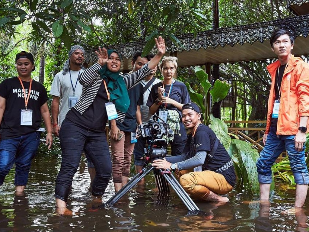 malaysia films Film service in singapore, malaysia, thailand, hong kong, china film production in singapore, malaysia, thailand, hong kong, china film support in singapore, malaysia, thailand, hong kong, china.
