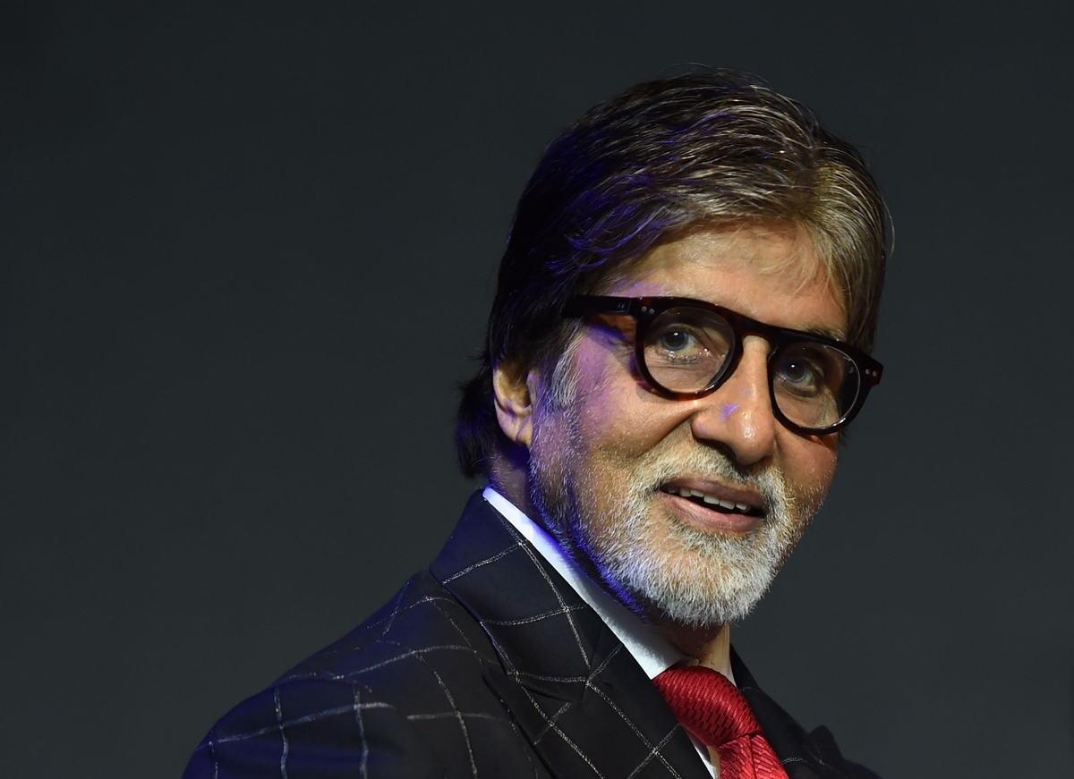 Amitabh Bachchan kesal tidak dapat bertemu dengan para peminatnya.