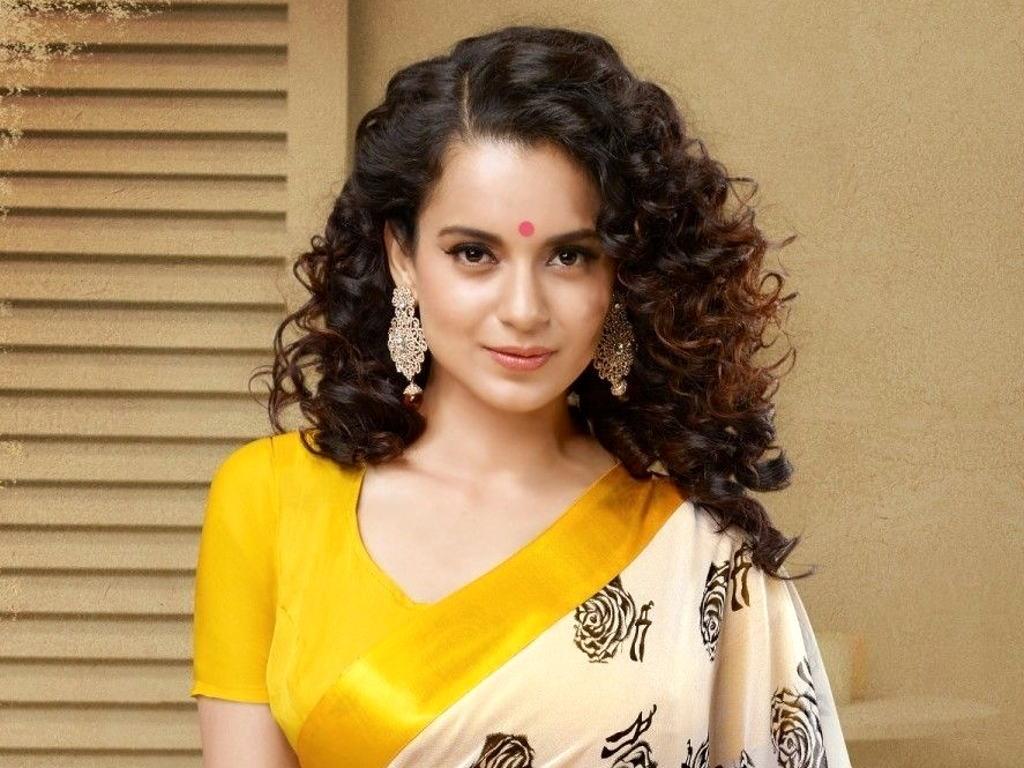 Kangana Ranaut menggalas watak utama sebagai Rani Laxmibai dalam 'Manikarnika'.