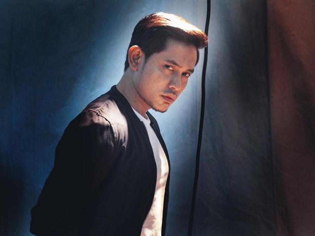 Selain berlakon, Khai Bahar juga menyanyikan lagu runut bunyi untuk drama tersebut.