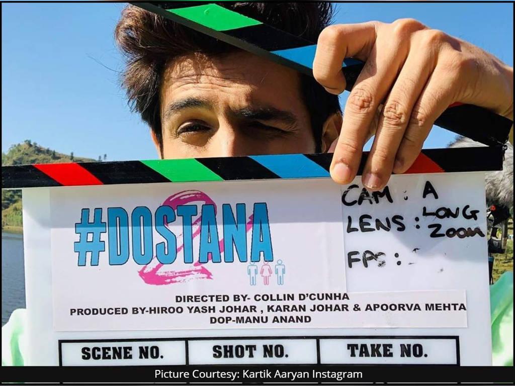 """Karthik Aaryan memuat naik foto di laman sosial miliknya sedang menjalani penggambaran filem terbarunya """"Dostana 2""""."""