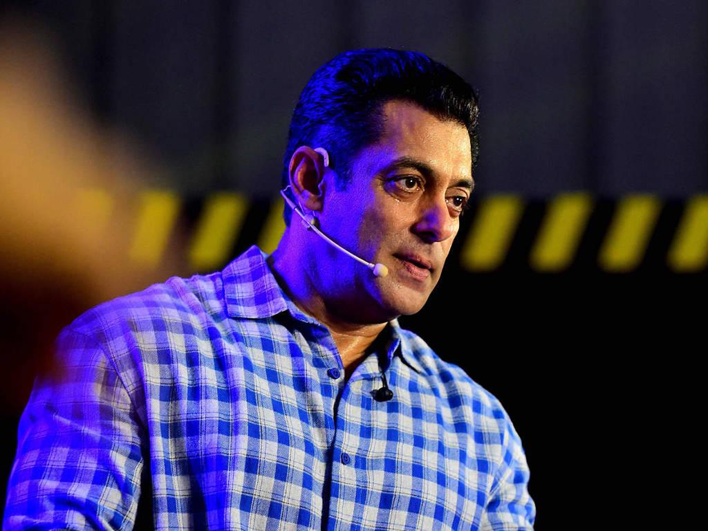 Salman Khan bakal umumkan filem yang akan dirilis pada Aidilfitri tidak lama lagi.