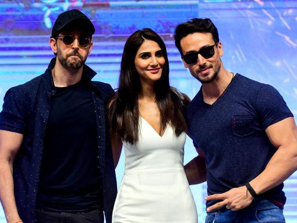 "Barisan peneraju utama filem ""War"", Hrithik Roshan, Vaani Kapoor dan Tiger Shroff."