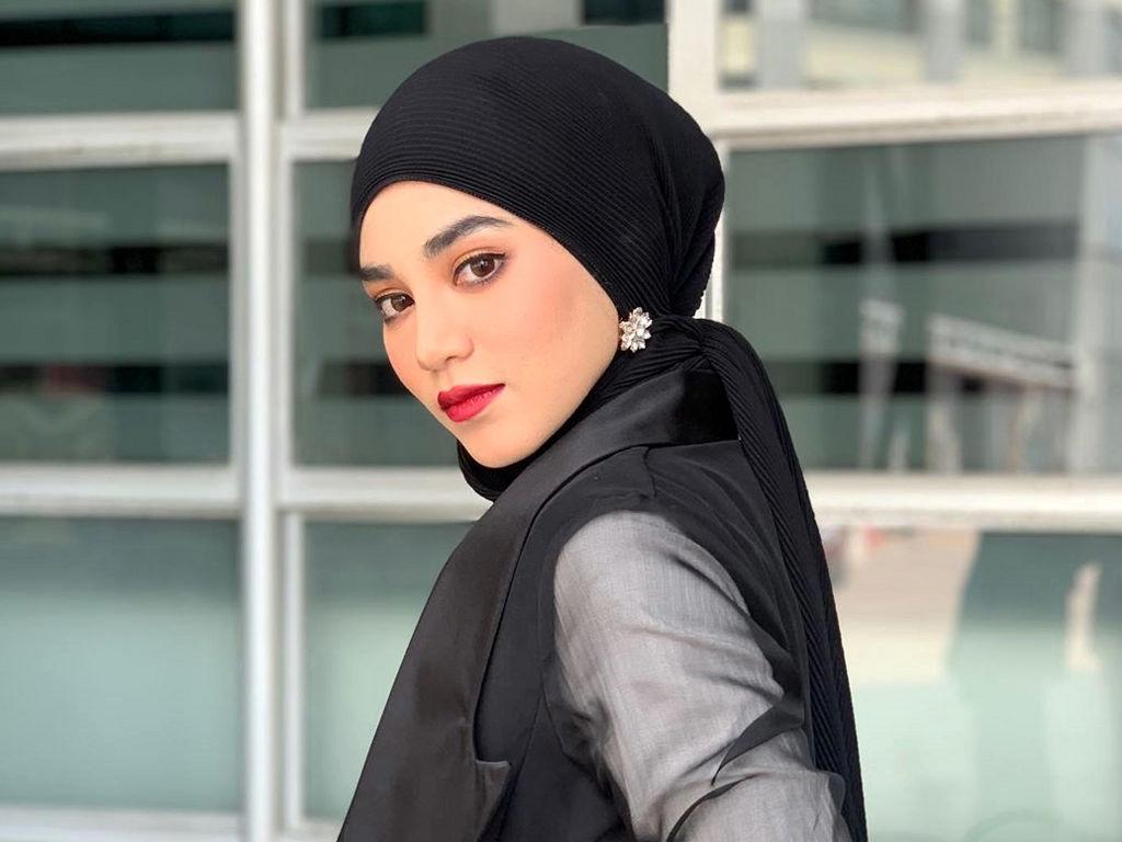 "Uyaina Arshad galas watak wanita cacat dalam drama ""Jujurlah Nikahi Aku""."