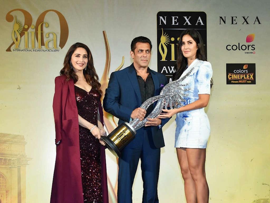 Bintang terkenal Salman Khan dilantik sebagai pengacara IIFA 2020.