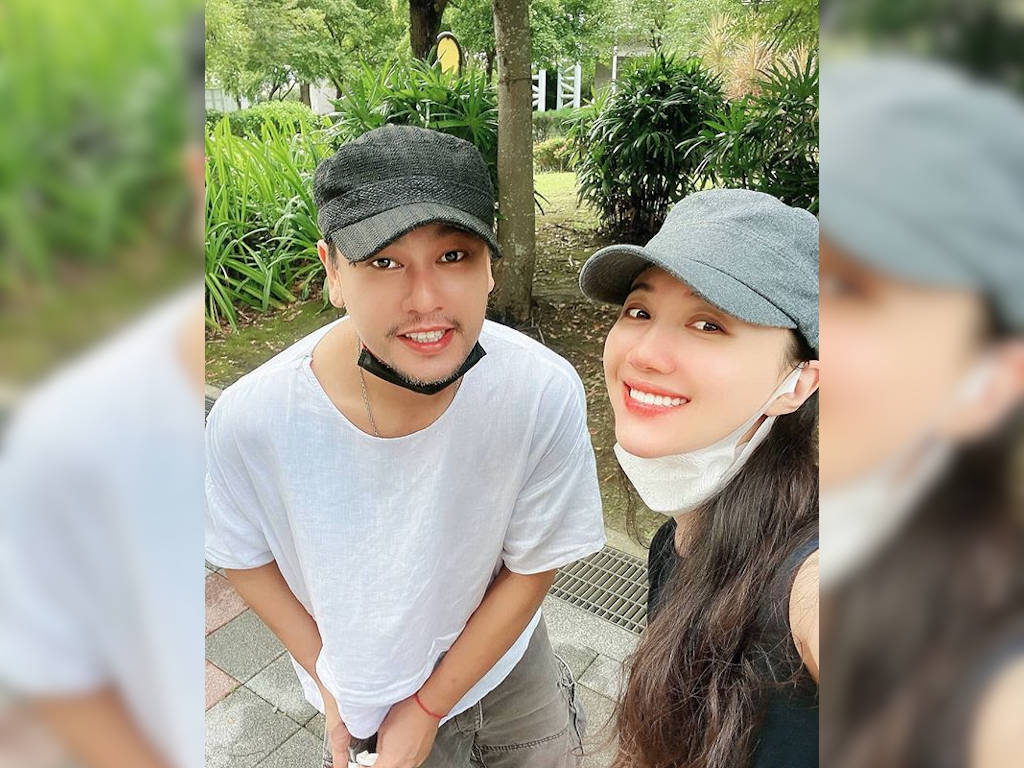 Ken Zhu is hosting a travel show with wife Han Wenwen.