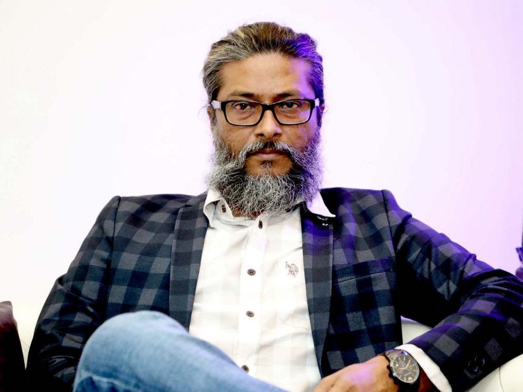 """Amjad Khan masih akan teruskan tayang filem """"Gul Makai"""" walaupun menerima ugutan."""