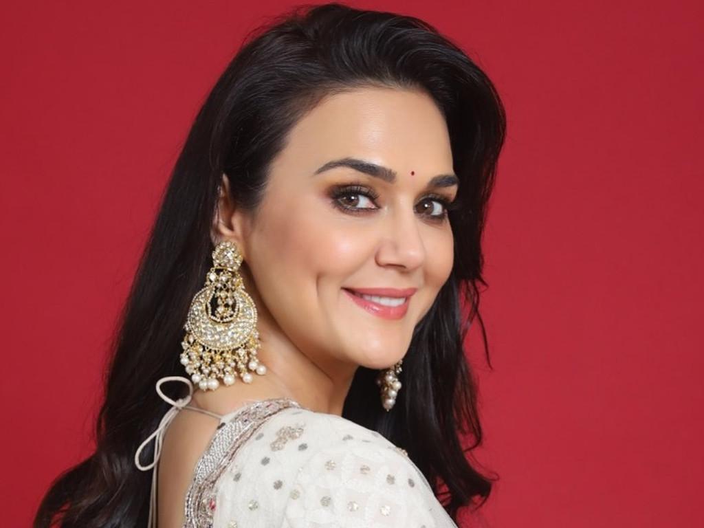Preity Zinta enggan letak gelaran Doktor dalam namanya sebagai tanda hormat pada para doktor.