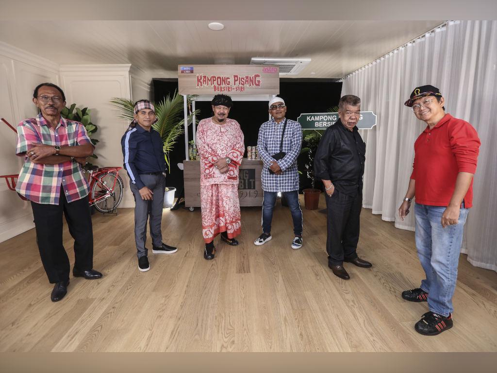 Mamat Khalid bersama barisan pelakon utama