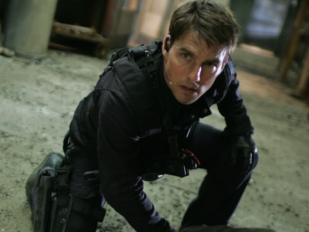 """Tom Cruise is pulling all stops to make sure """"Mission: Impossible 7"""" resume filming again this fall."""