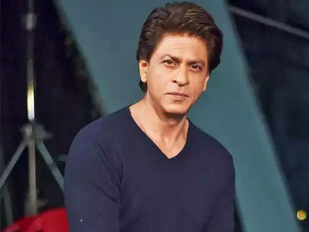 """Shah Rukh Khan bakal bekerjasama dengan pengarah filem """"Maroon"""" (2017)."""