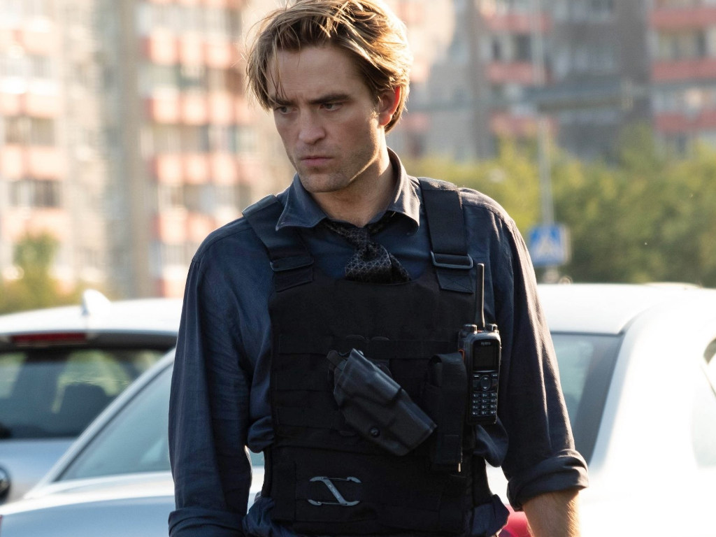 Robert Pattinson has tested positive for coronavirus.