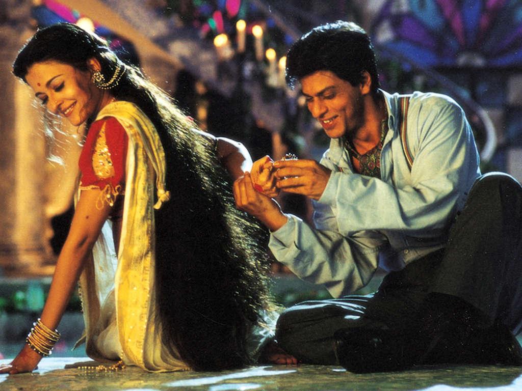 Shah Rukh Khan dan Aishwarya Rai merupakan tunggak utama filem
