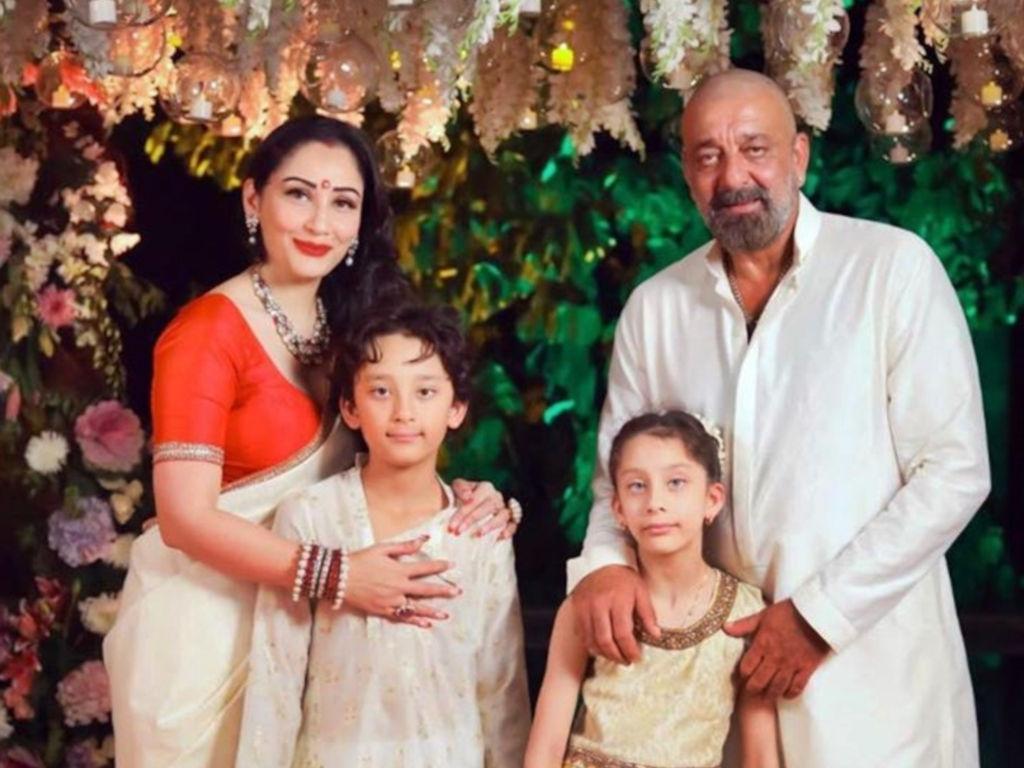 Sanjay Dutt luah ucapan penghargaan buat keluarga, rakan-rakan serta para peminat.