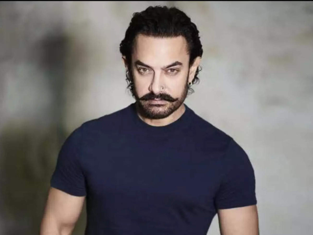 """Aamir plays the titular character in the Hindi remake of """"Forrest Gump"""""""