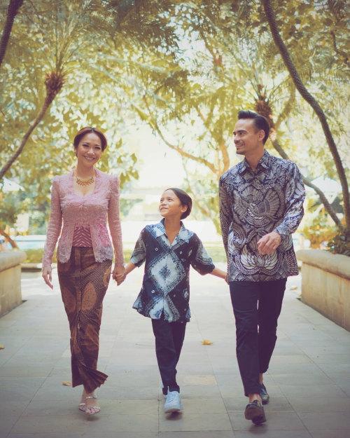 Ashraf with wife Bunga Citra Lestari and son Noah Aidan