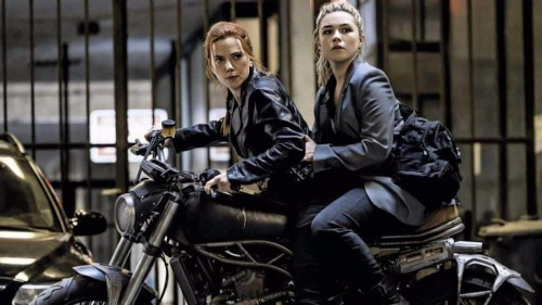 Scarlett Johansson and Florence Pugh in 'Black Widow', the latter playing Yelena Belova