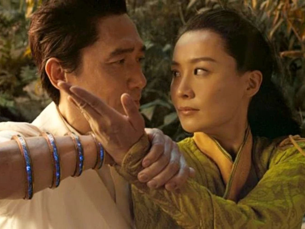 Ying Li fought Wenwu to protect the ancient city of Ta Lo, but fell in love with him