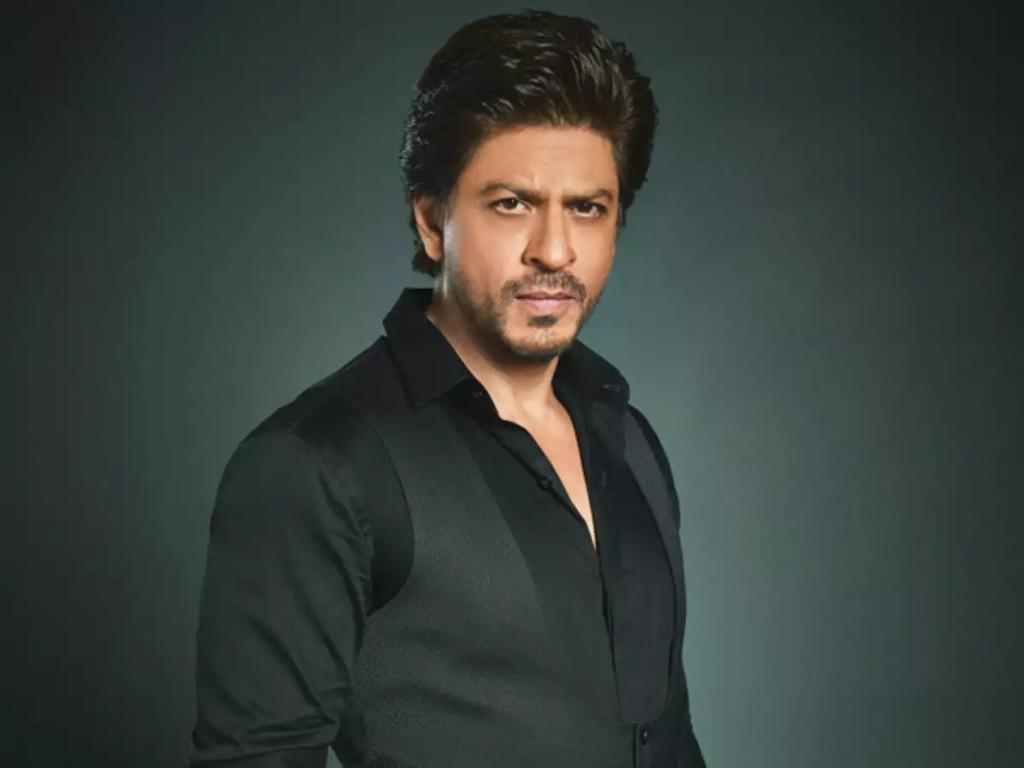 SRK aka King Khan is still pulling in the crowds