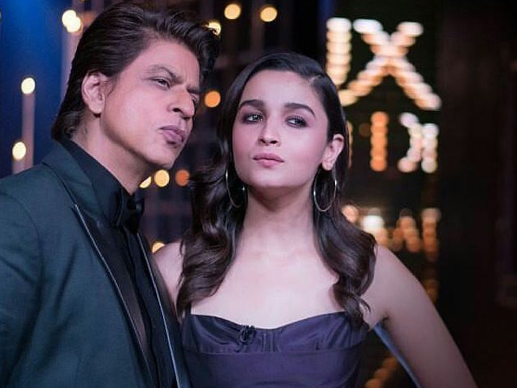 Fans are going Awwww as SRK supports Alia
